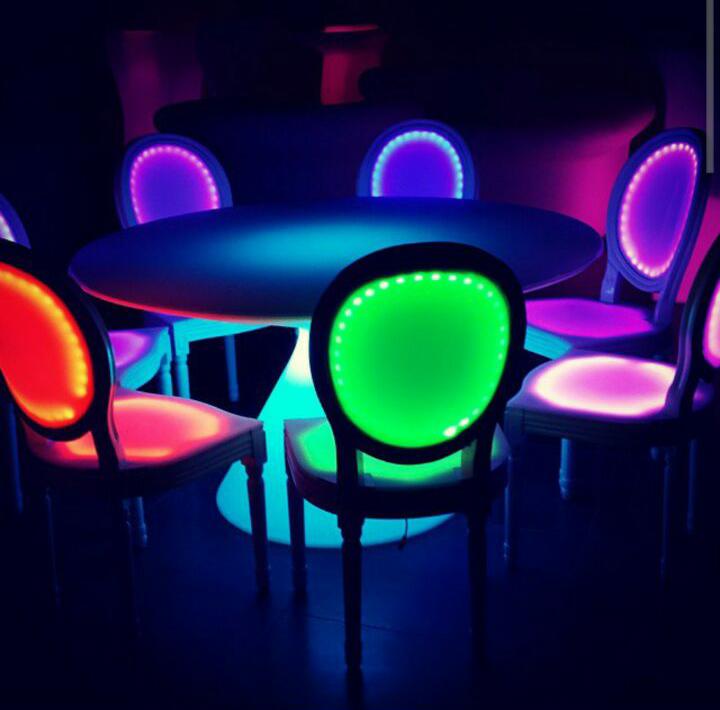 الآن للبيع وبكميات محدودة كراسي نابليون بألوانها وكراسي وطاولات للأفراح والقاعات i_13725b18356.jpg