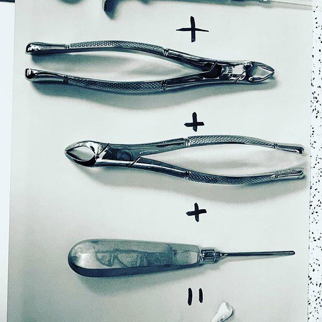 ادوات و اكسسوارات رائعة تجدها في عيادة طبيب الأسنان صور مذهلة فعلا منتديات الجلفة لكل الجزائريين و العرب
